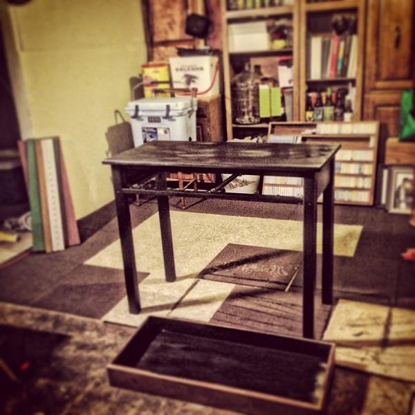 Daddy DIY Time, repurposing a roadside table for Ben's new desk #diy #onemanstrashisanothermanstreasure #manroom