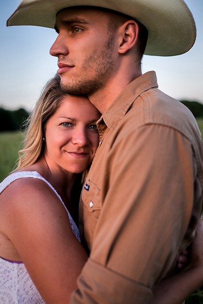 Kevin_Amanda_Country_Engagement_Blue_Photos_Jefferson_City_MO_Wedding_Photography -009.jpg