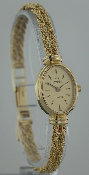 Gold Watch-2712.jpg