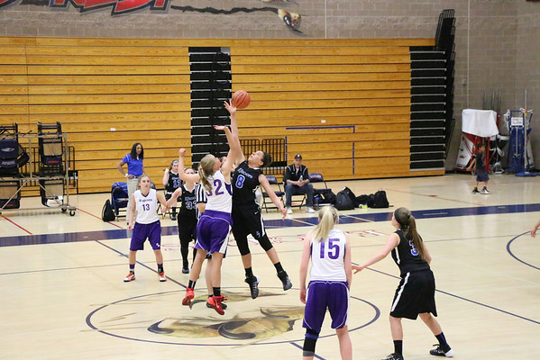 2014-04-25-LegendsBasketballDakotaRidge