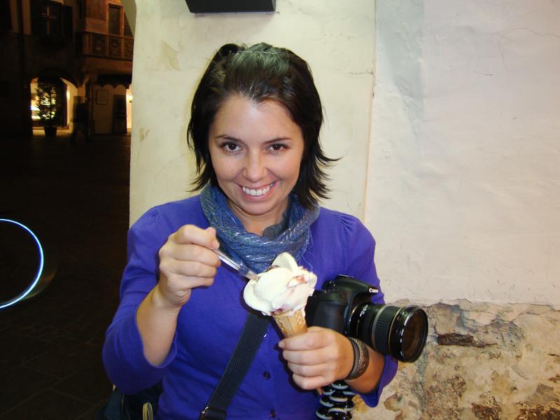 eating-gelato-2_6129754771_o.jpg