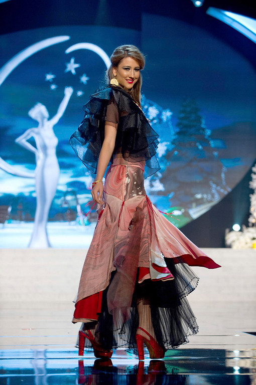 . Miss Turkey Cagil Ozge Ozkul performs onstage at the 2012 Miss Universe National Costume Show at PH Live in Las Vegas, Nevada December 14, 2012. The 89 Miss Universe Contestants will compete for the Diamond Nexus Crown on December 19, 2012. REUTERS/Darren Decker/Miss Universe Organization/Handout