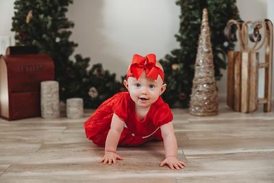 Courtney - Holiday Mini