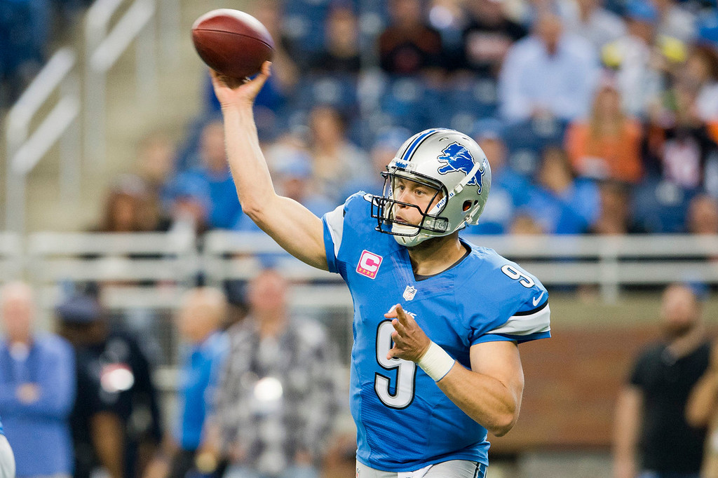 . Quarterback Matthew Stafford #9 of the Detroit Lions passes during the first half against the Cincinnati Bengals at Ford Field on October 20, 2013 in Detroit, Michigan. (Photo by Jason Miller/Getty Images)