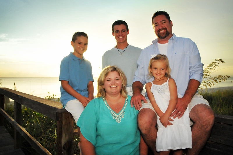 Angie Birch Naples Beach Family Photo Shoot 332.JPG