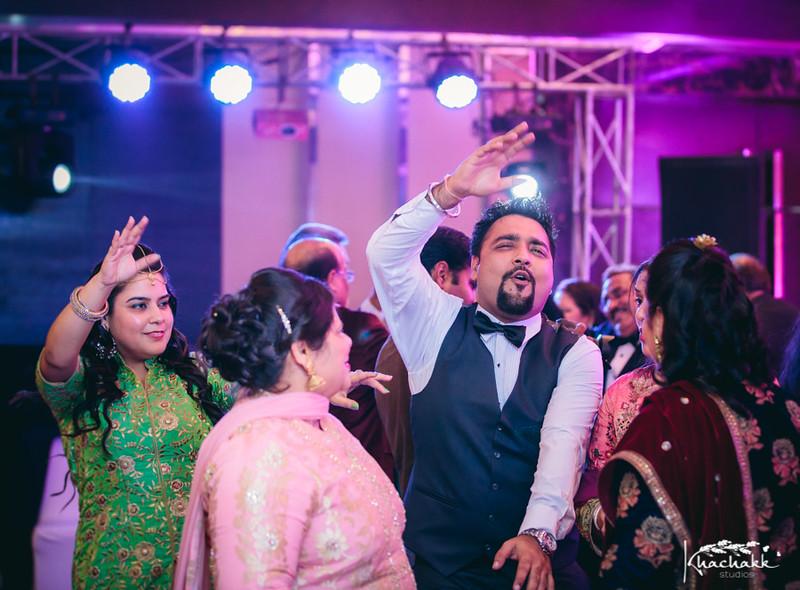 best-candid-wedding-photography-delhi-india-khachakk-studios_61.jpg