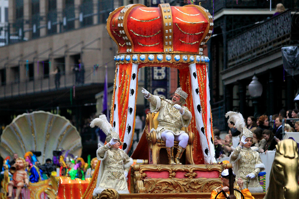 . Rex, King of Carnival waves to his subjects as he parades down St. Charles Avenue on Mardi Gras Day in New Orleans, Louisiana February 12, 2013. REUTERS/Sean Gardner