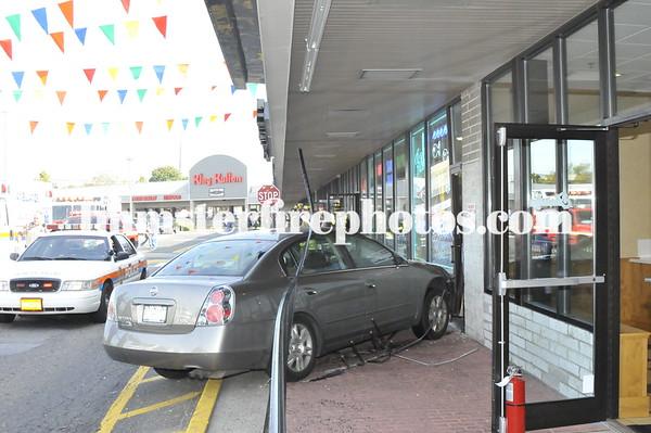 Hicksville FD Car vs building Delco Plaza 10-24-08