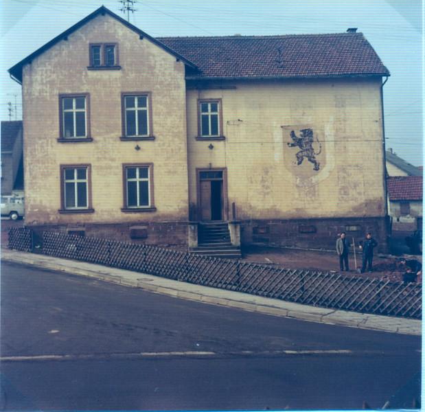 Oberes Altes Schulhaus erbaut 1870 (6).jpg