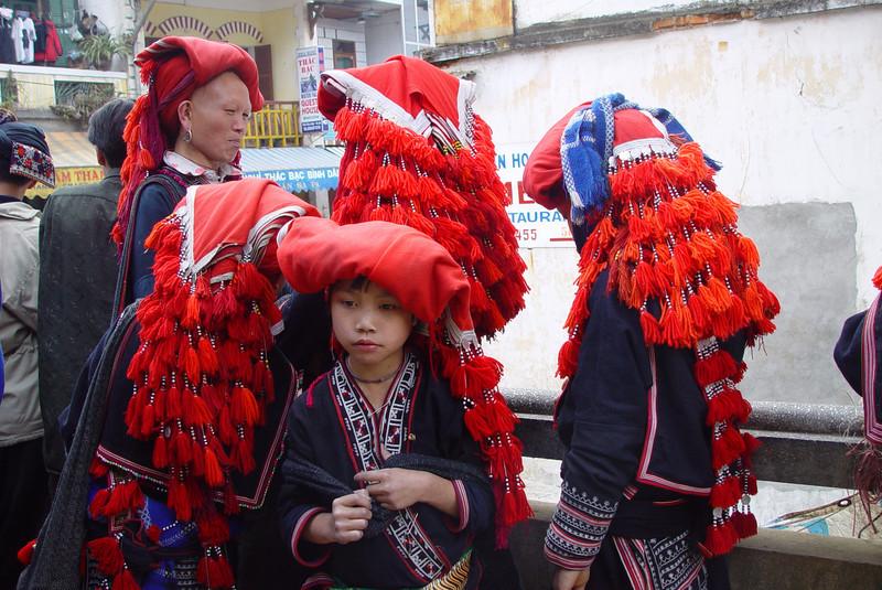 RED ZAO LADIES - SAPA, VIETNAM