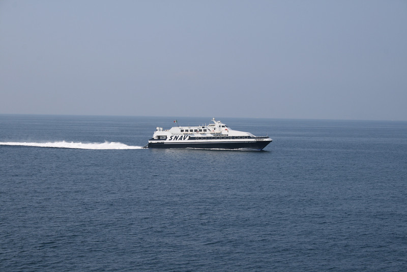 2009 - SNAV ANTARES sailing in the Gulf of Napoli.