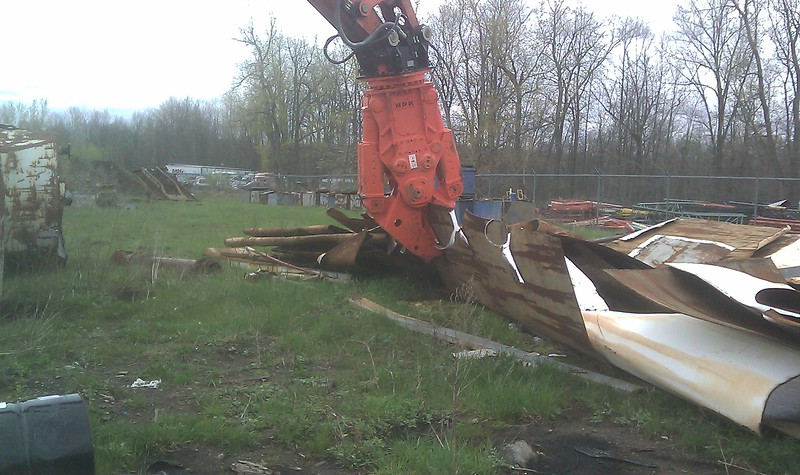 NPK M35K demolition shear on Doosan excavator-C&D recycling (12).jpg