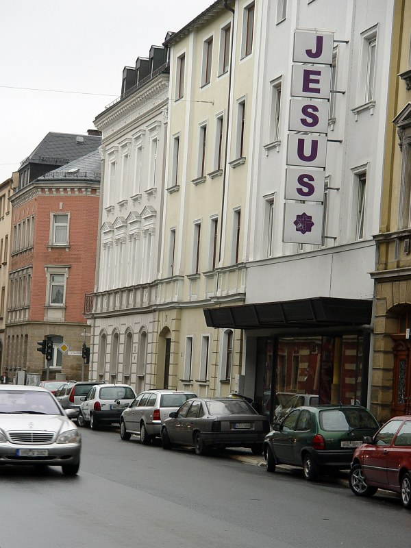 2005-09-12_06287 eine der Hauptstrassen im Zentrum von Hof one of the main streets in the center of Hof