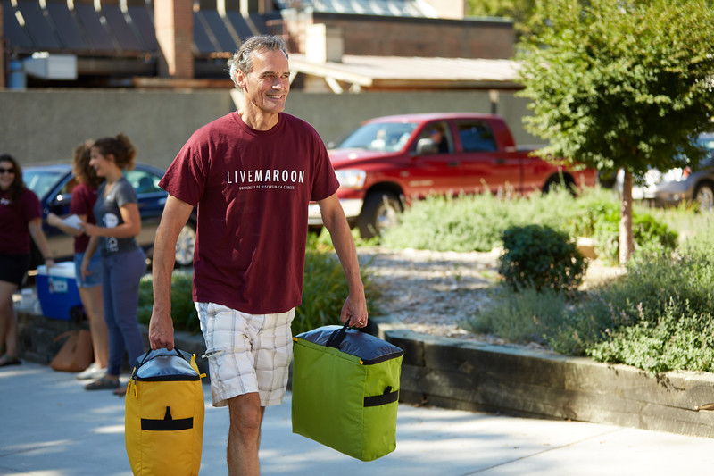 2016_UWL_Freshman_Move_in_Day_Welcome_Week_113.jpg