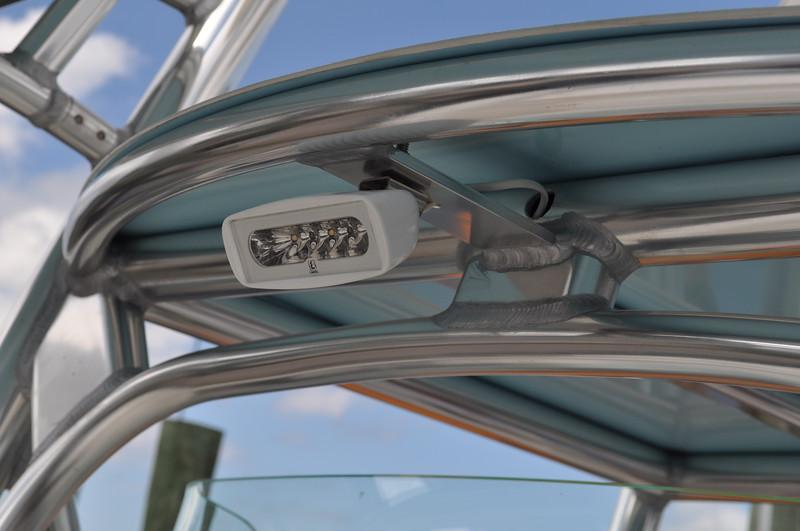S2499031 - Spreader Light Forward