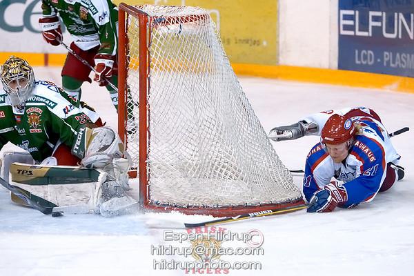 Q3: Vålerenga Ice Hockey -at- Frisk Asker Tigers (1.3.09)