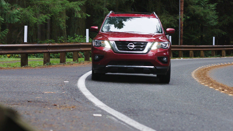 2018 Nissan Pathfinder Platinum AWD Driving Reel
