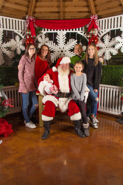 Santa 12-16-17-150.jpg
