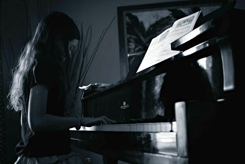 MAYA-PIANO-BLUES.jpg