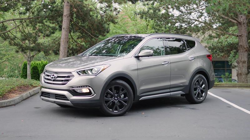 2017 Hyundai Santa Fe Sport 2.0T Ultimate AWD Parked Reel