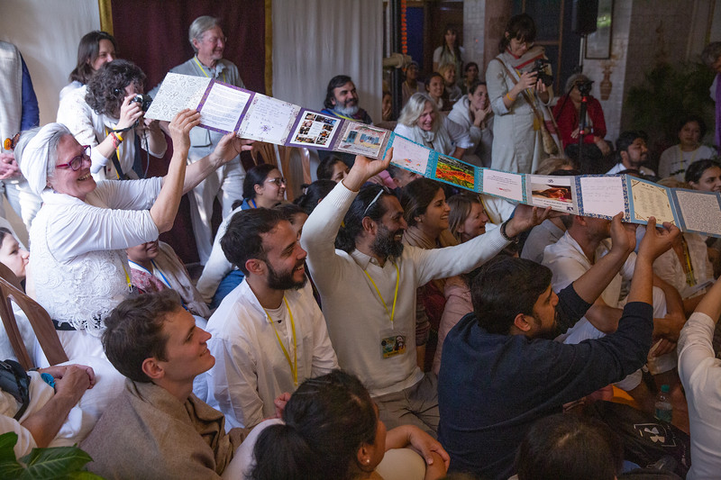 20200214_EV_IN_RIS_Spontaneous_Satsang_042.jpg