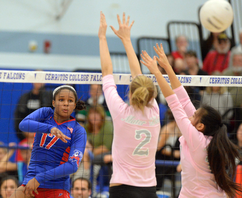 . Los Alamitos swept Mater Dei 3-0 in the CIF State Southern California girls volleyball final at Cerritos College in Norwalk, CA on Tuesday, December 3, 2013.  Crissy Jones Los Al will play NorCal champ Granite Bay for the state title on Saturday. (Photo by Scott Varley, Daily Breeze)
