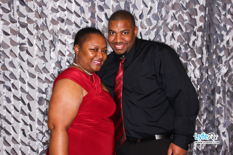 red-hawk-2017-holiday-party-beltsville-maryland-sheraton-photo-booth-0132.jpg