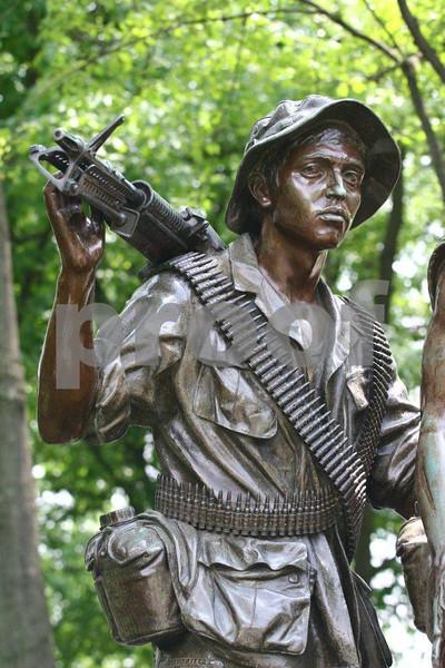 Vietnam war memorial 0944.jpg
