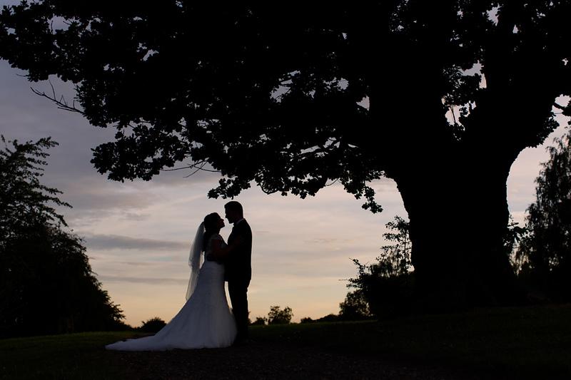 wedding-photographer-sunset-essex-warleyparkgolf-(67).jpg