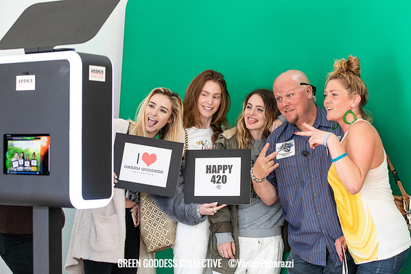 Green Goddess Collective - Photo booth backdrops and signs