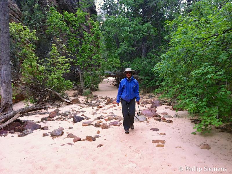 A short hike in Shelf canyon.
