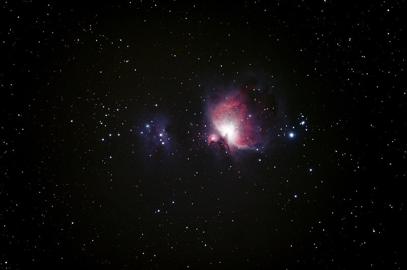 Messier M42 - NGC1976 - Orion Nebula & NGC1977 Running Man Nebula - 30/10/2013 (Processed stack)