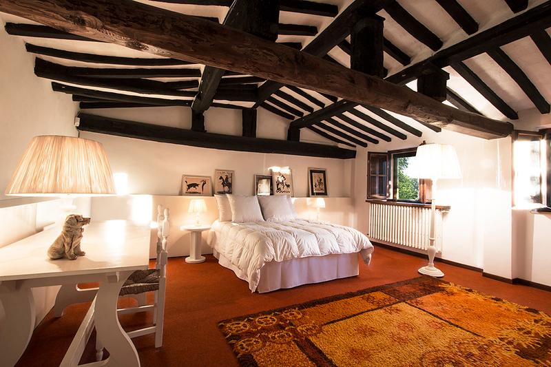Bedroom Ragazzi, Scuola (the School)