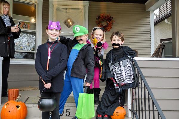 Halloween 2011 with Thavis Kids
