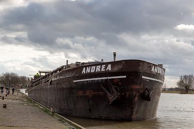 Andrea passeert de IJsselbrug