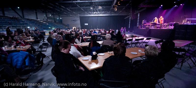 27.3.2011: Da Capo-show med Vidar Lønn Arnesen, assistert av Philip Kruse. Også storbandjazz med solister.
