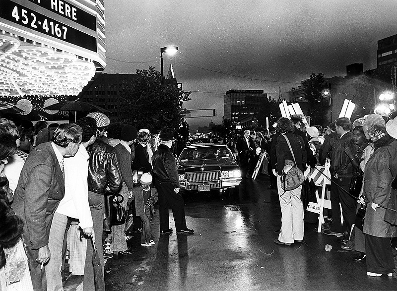 . Visitors line Broadway outside the Paramount Theatre in Oakland in September 1973 to celebrate the historic theater\'s reopening. (Bay Area News Group Staff Archives)