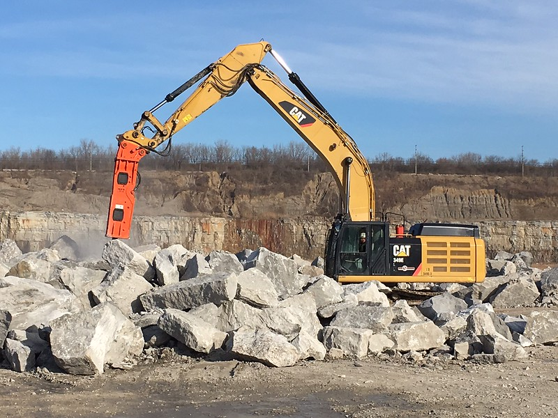 NPK GH18 hydraulic hammer on Cat 349F excavator - Sidwell Materials (Murphy Columbus)  12-17 (8).JPG
