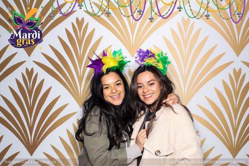LOS GATOS DJ - The Bywater's Mardi Gras 2021 Photo Booth Photos (beads overlay) (27 of 29).jpg