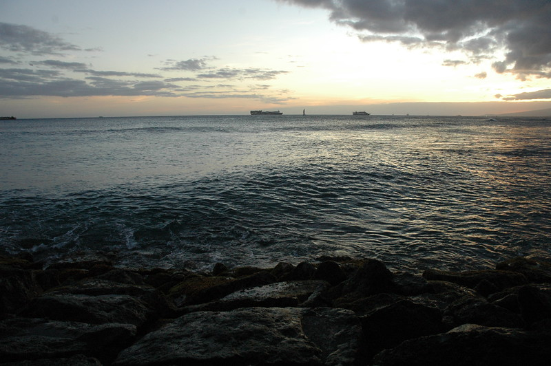 Hawaii - Ala Moana Beach Sunset-94.JPG