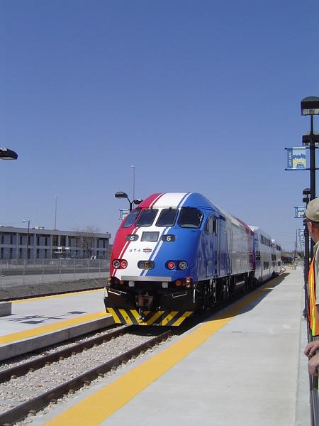 FRONT-RUNNER-TRAIN.jpg