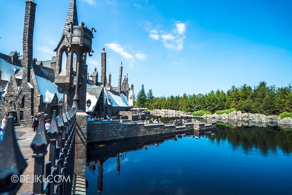 Universal Studios Japan - The Wizarding World of Harry Potter - Hogwarts Black Lake viewing Hogsmeade pier