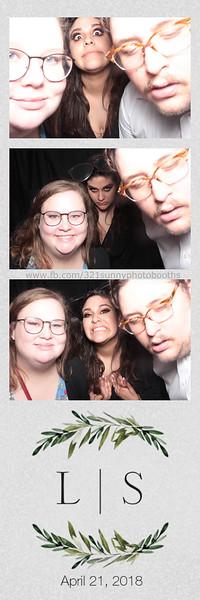 ELP0421 Lauren & Stephen wedding photobooth 132.jpg