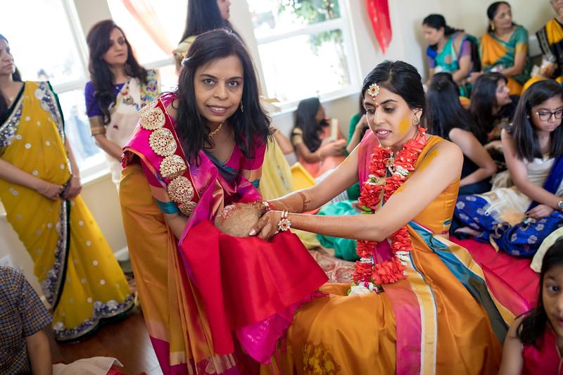 Hina_Pithi_Pooja-221.jpg