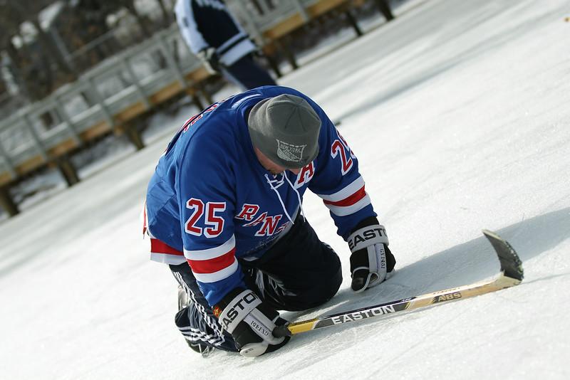 20140208_EMCphotography_PondHockeyCongersLakeNY-10.jpg