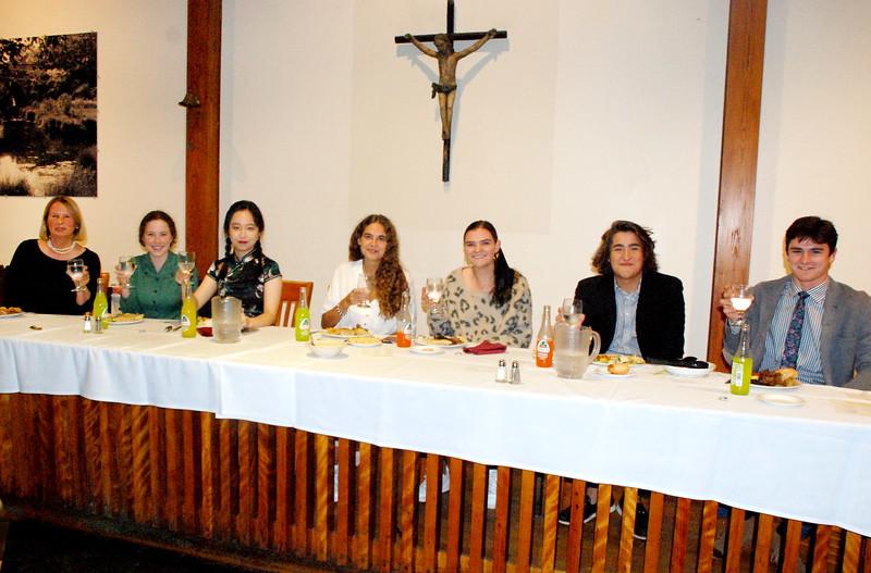 Intl Student Dinner 19-10-09 06.38.37.jpg