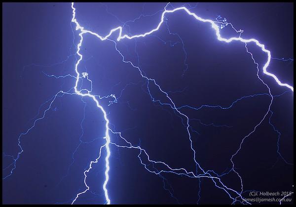 Perth Thunderstorm 29th Jan 2015