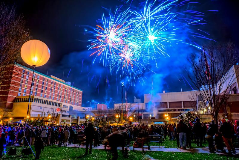 NYE2015 - Binns Park Fireworks HDR(p).jpg