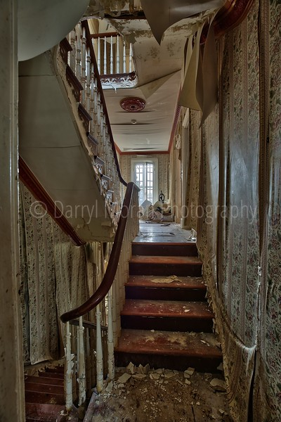 Abandoned Dr's Mansion (16).jpg