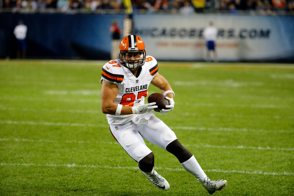 . Cleveland Browns tight end Seth DeValve (87) during the second half of an NFL preseason football game against the Chicago Bears, Thursday, Aug. 31, 2017, in Chicago. (AP Photo/Charles Rex Arbogast)